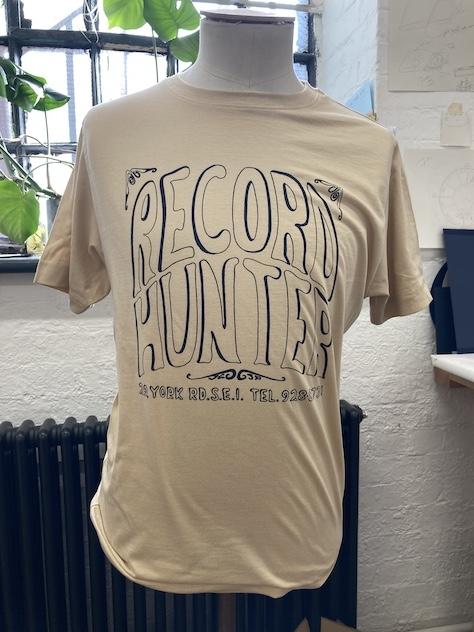 RECORD HUNTER TEE